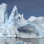 Climat :  Réchauffement climatique, crash d'un iceberg en Groenland