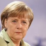 Chemtrails : Merkell visite un avion équipé d'une technologie complotiste !
