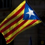 Catalogne Après le durcissement du rapport de force entre Madrid et les indépendantistes, Mariano Rajoy appelle ces derniers à renoncer au scrutin.
