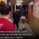 USA : Une enseignante se fait malmener par la police pour avoir revendiqué un salaire plus élevé