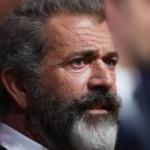 Mel Gibson : Hollywood est un 'repaire de parasites' de 'festoyeurs de sang d'enfants'