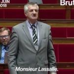 """Jean Lassalle : """"Une honte !""""  Jean Lassalle pique une grosse colère à l'Assemblée nationale en plein débat"""