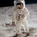 """A la question """"Pourquoi ne sommes-nous pas retournés sur la Lune"""" Buzz Aldrin répond """"Parce que nous n'y sommes pas allés"""""""