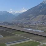 Environnement & Suisse : Une autoroute couverte de panneaux solaires pourrait voir le jour en Valais