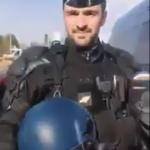 Gilets jaunes : Au Leclerc de Saint Die les CRS retirent leurs casques…