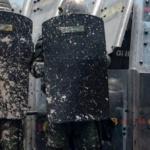 """Gilets jaunes : Mains arrachées et yeux crevés, certains manifestants ripostent au """"Cacatov"""""""