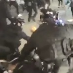 Hong Kong : Violences policières contre des manifestants pacifistes