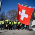 Gilets Jaunes : Manifestation pacifiste devant le siège des Nations Unies à Genève