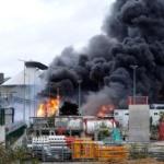 Rouen Seine maritime sur les quais : Une usine de produits solvants en feu