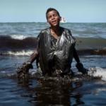 ENVIRONNEMENT : Une marée noire mystérieuse frappe les côtes brésiliennes ! (Vidéo)